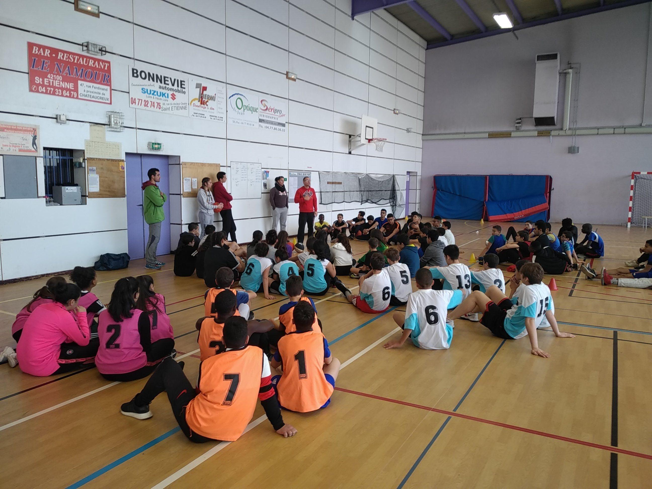 15 basketteurs de basketteur à la compétition district